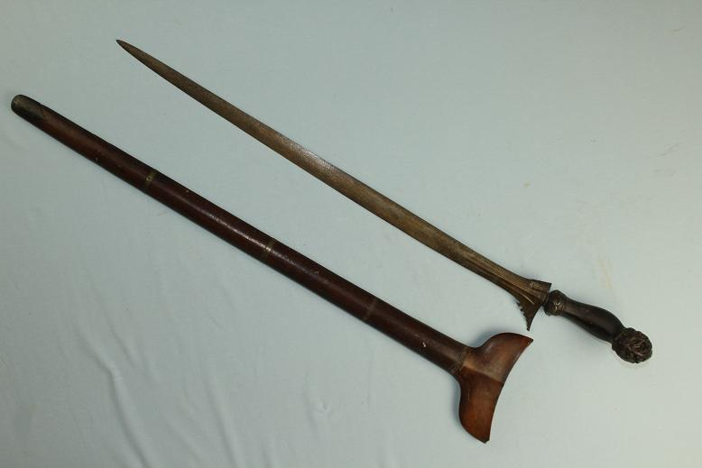 Keris Kris Panjang an original old example Sumatran sword of status Carved & pierced hulu www.swordsantiqueweapons.com