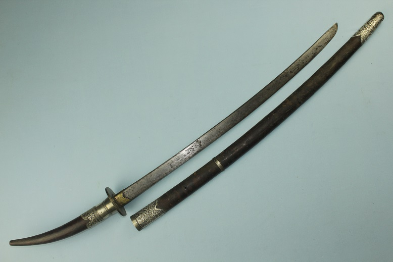 Vietnam sabre A very rare Tonkin sword Amman IndoChine Very rare hilt type Repousse silver fittings www.swordsantiqueweapons.com
