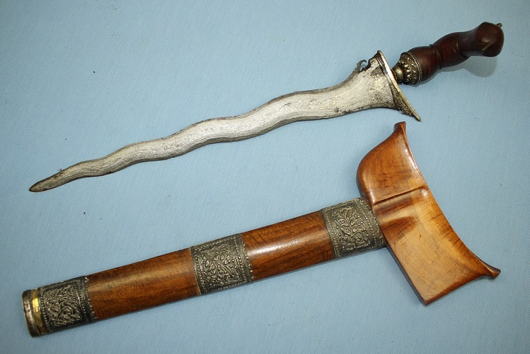 A fine Malay Keris Bugis Terengganu Riau Unique silver dress Heavy blade fine timbers www.swordsantiqueweapons.com