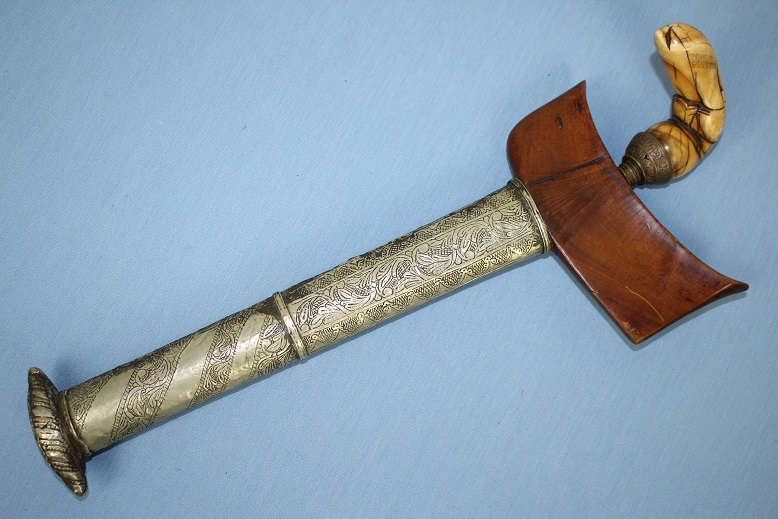 Sulawesi Keris A fine & early example 19th cent or earlier www.swordsantiqueweapons.com