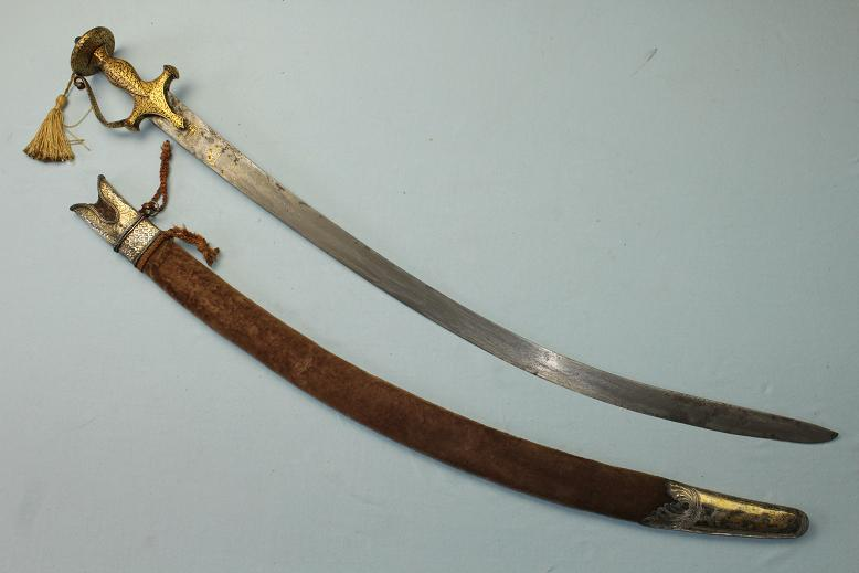 An exceptional Tulwar Talwar Early Indian sabre Shamshir 18th century sword With early heirloom blade Mughal Delhi hilt Wootz blade Persian signed Personal collection www.swordsantiqueweapons.com
